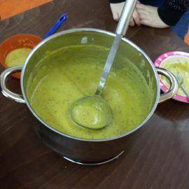 Leckere Gemüsesuppe in der 2b