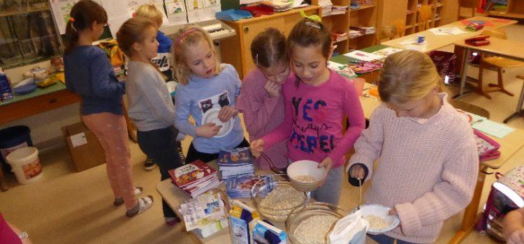 """Aktion """"Gesundes Frühstück"""" in der Klasse 3b gesponsert von der Firma Kölln"""
