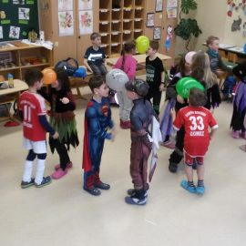 Klassenfaschingsfeier der 2b